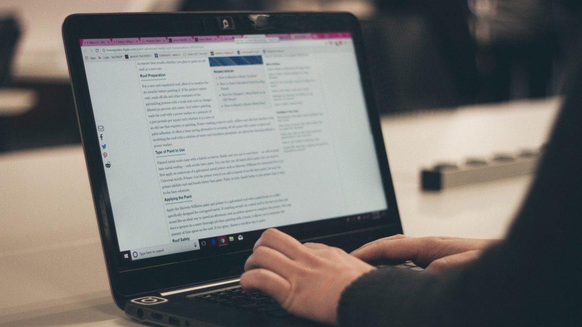 Why you should write blogs for your business