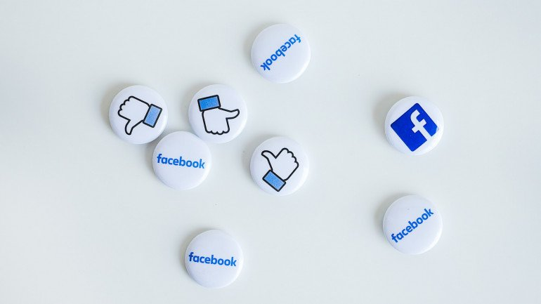 hire a facebook advertising company